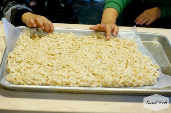 How to make rice krispy sushi